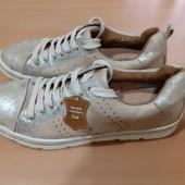 Новые кроссовки Ixoo, разм. 40 (25 см внутри). Сток.