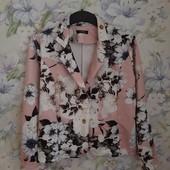 Красивый пиджак Colloseum в цветы ! УП скидка-10%