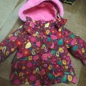 Очень красивая курточка на 6-18 месяцев