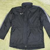 тёплая зимняя куртка Nike 8-10 лет сост.новой