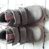 Замшевые ботинки 22размер
