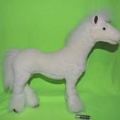 Красивая каркасная лошадка