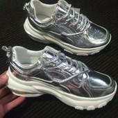 Кроссовки в серебре - на белоснежной платформе. Цена супер! 36-41.