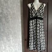 Фирменный красивый сарафан-платье в модный горох р.16 в отличном состоянии.
