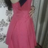 Красивое платье, одето пару раз, без следов носки.
