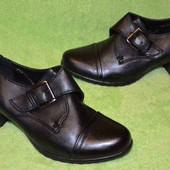 Удобные легенькие туфли 39 размер