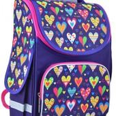 Школьный ранец для девочки с сердечками