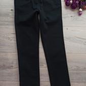 Узкие котоновые брюки для девочки 9-10лет. Идеальный вариант для школы. Отличное состояние. Next.