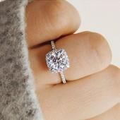 Кольцо. Дизайнерское кольцо с кристаллами.17.18 размер