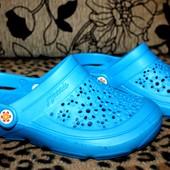 Женские кроксы 36 р. Цвет голубой