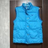 Фирменная красивая куртка-жилетка в отличном состоянии р.12-14