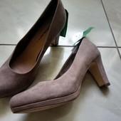 Женские туфли р. 40