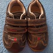 Кожаные кроссовки с мигалками Clarks p.5F