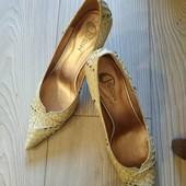 Шикарные новые итальянские туфли натуральная кожа наш 38р.