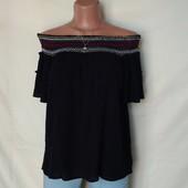 Лёгенькая свободная футболка с открытыми плечами и вышивкой,12p(L)