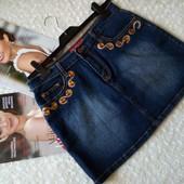 Xfn jeans. Стильная джинсовая юбка с вышивкой и украшениями. размер наш 46,48, 50
