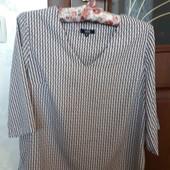 красивенная блузка на 42-44 размер