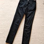 Распродажа! 36р. Чёрные гладкие брюки-джинсы-скины H&M
