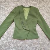 Новое состояние! Пиджак с красивой вышивкой бисером, р.XS-S, наш 42-44