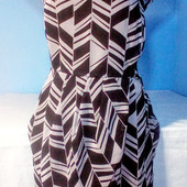 Очень красивое серенькое платье на запах,низ омбре Состояние идеальное!!!Размер 14/42