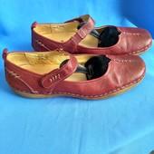 Дуже зручні шкіряні туфлі