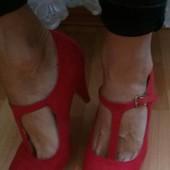 Замшевые красные удобные туфли!
