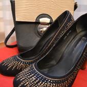 Модные туфли, дешевые туфли, черные туфельки,р. 39