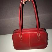 Очень красивая вместительная сумка