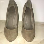 Очень красивые и ласковые туфельки, стелька 24 см