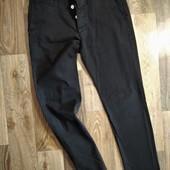 Тоненькие фирменные мужские зауженные штаны