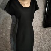 Плотное фирменное платье в отличном состоянии!
