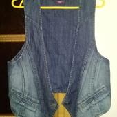 Крута джинсова жилетка