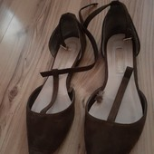 Туфлі-лодочки.