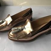 Clarks.Оригинал!новые кожаные туфли, цвет розовое золото