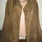 Легкий пиджак на пышные формы от Marks&Spencer