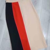 Стильная юбка карандаш фирмы River Island,размер S.