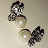 Серебряные серьги Бабочки с Жемчугом и Белыми Топазами