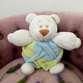 Мягкий медвежонок с погремушкой внутри