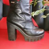 Демісезоні черевики з натуральної шкіри Karina 39р.25.5 відмінний стан, легке б/у