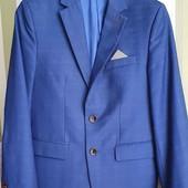 суперстильный школьный шерстяной пиджак.