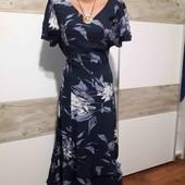 плаття на гарні форми 46-48eur