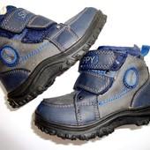 Классные зимние ботиночки Skippy. Густой мех! Очень удобные и теплые.