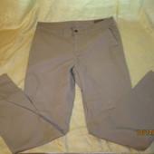 Классные котоновые штанишки-чиносы,состояние хорошее,но есть нюансик,W-30/L-30,смотрите замеры