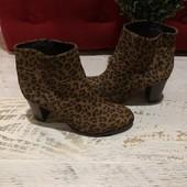 Ботинки із натуральної замші,від San Marina,розмір 36