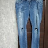 Фирменные новые красивые коттоновые джинсы-рванки р.22-24