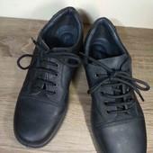 Новые. Кожа. очень лёгкие. туфли. 23.5 см