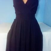 Модненькое платье на запах в отличнейшем состоянии!!!