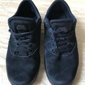 Натуральний замш кросівки Nike унісекс розмір 36,5 стелька 23,5 см