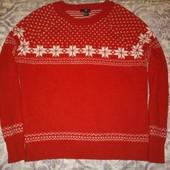 Теплый вязаный свитер в идеальном состоянии 10%шерсти