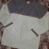Тёплый свитер в идеальном состоянии серо- белый!